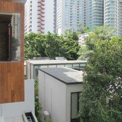 Отель Two Three Mansion Бангкок балкон