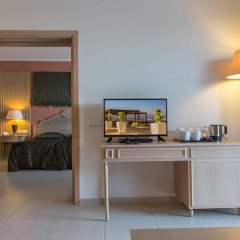Отель The Kresten Royal Villas & Spa удобства в номере