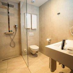 Отель DoubleTree by Hilton Hotel Amsterdam - NDSM Wharf Нидерланды, Амстердам - отзывы, цены и фото номеров - забронировать отель DoubleTree by Hilton Hotel Amsterdam - NDSM Wharf онлайн ванная фото 2