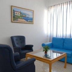 Отель Maistros Hotel Apartments Кипр, Протарас - отзывы, цены и фото номеров - забронировать отель Maistros Hotel Apartments онлайн комната для гостей фото 2