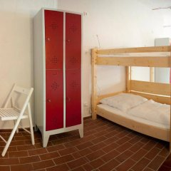 Subraum Hostel комната для гостей