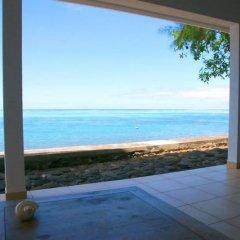 Отель Villa Vahineria 9pax Французская Полинезия, Пунаауиа - отзывы, цены и фото номеров - забронировать отель Villa Vahineria 9pax онлайн пляж фото 2