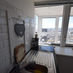 Отель Isabella Penthouse 15th Floor, Seafront в номере