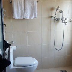 Отель The Fort Resort Непал, Нагаркот - отзывы, цены и фото номеров - забронировать отель The Fort Resort онлайн ванная