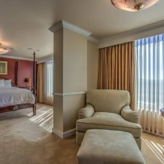 Отель Embassy Suites by Hilton Convention Center Las Vegas комната для гостей фото 3