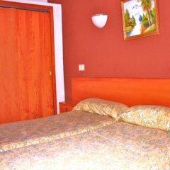 Отель Hostal Alcina комната для гостей фото 3