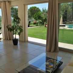 Отель Le Cigale Итри комната для гостей