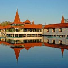 Отель Danubius Health Spa Resort Heviz Венгрия, Хевиз - 5 отзывов об отеле, цены и фото номеров - забронировать отель Danubius Health Spa Resort Heviz онлайн приотельная территория