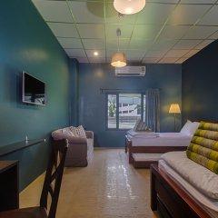 Hom Hostel & Cooking Club Бангкок интерьер отеля
