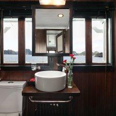 Отель Halong Carina Cruise Вьетнам, Халонг - отзывы, цены и фото номеров - забронировать отель Halong Carina Cruise онлайн ванная