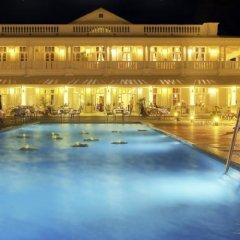 Отель Grand Pacific Hotel Фиджи, Сува - отзывы, цены и фото номеров - забронировать отель Grand Pacific Hotel онлайн бассейн фото 3