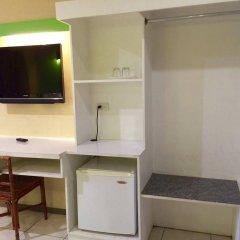 Отель Cebu R Hotel - Capitol Филиппины, Лапу-Лапу - отзывы, цены и фото номеров - забронировать отель Cebu R Hotel - Capitol онлайн удобства в номере