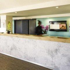 Отель ibis London Luton Airport интерьер отеля фото 2