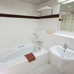 Отель The Aiyapura Bangkok ванная фото 2