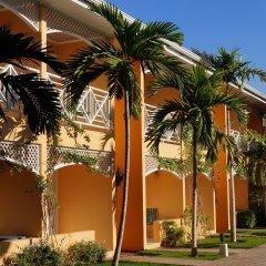 Four Seasons Hotel пляж
