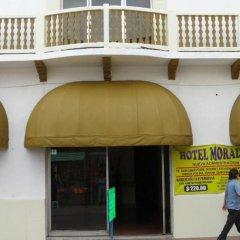 Hotel Morales Inn бассейн