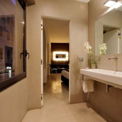 Отель Urben Suites Apartment Design Италия, Рим - 1 отзыв об отеле, цены и фото номеров - забронировать отель Urben Suites Apartment Design онлайн ванная фото 2