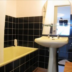 Отель Passerelle - Studio 3rd Floor River View - ZEA 39138 Бельгия, Льеж - отзывы, цены и фото номеров - забронировать отель Passerelle - Studio 3rd Floor River View - ZEA 39138 онлайн ванная фото 2