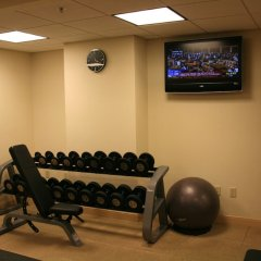 Отель Hampton Inn & Suites Columbus - Downtown фитнесс-зал фото 3