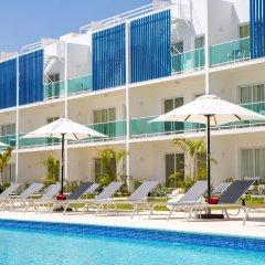 Отель Coral House by CanaBay Hotels бассейн