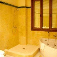 Отель Apartamentos Luxsevilla Palacio Испания, Севилья - отзывы, цены и фото номеров - забронировать отель Apartamentos Luxsevilla Palacio онлайн ванная фото 2
