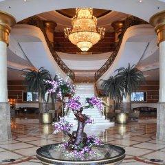Отель Hilton Sharjah ОАЭ, Шарджа - 10 отзывов об отеле, цены и фото номеров - забронировать отель Hilton Sharjah онлайн интерьер отеля фото 2