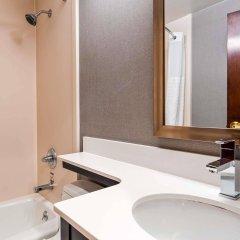 Отель Best Western Kennedy Airport США, Нью-Йорк - 1 отзыв об отеле, цены и фото номеров - забронировать отель Best Western Kennedy Airport онлайн ванная фото 2