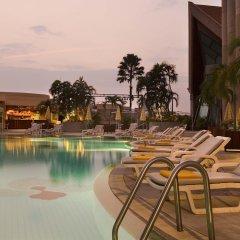 Отель Pullman Khon Kaen Raja Orchid Таиланд, Кхонкэн - отзывы, цены и фото номеров - забронировать отель Pullman Khon Kaen Raja Orchid онлайн бассейн фото 3