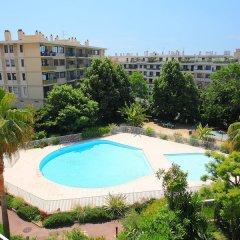 Отель Le Jardin Des Iris Франция, Ницца - отзывы, цены и фото номеров - забронировать отель Le Jardin Des Iris онлайн бассейн