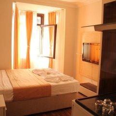 Отель Hot Residence Taksim Square Стамбул комната для гостей фото 4