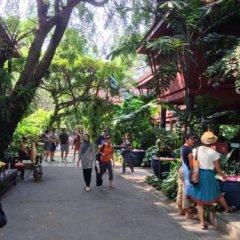 Отель Seed Memories Siam Resident питание