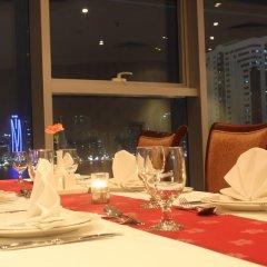 Отель Grand Excelsior Hotel Sharjah ОАЭ, Шарджа - 1 отзыв об отеле, цены и фото номеров - забронировать отель Grand Excelsior Hotel Sharjah онлайн питание фото 3