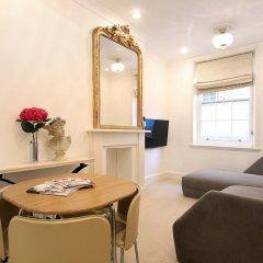 Апартаменты Harrods Apartments Лондон комната для гостей фото 4