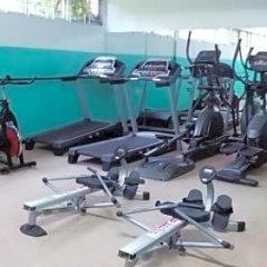 Shaw Park Beach Hotel фитнесс-зал