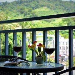 Отель Sharaya Residence Patong балкон