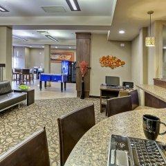 Отель Acclaim Hotel Calgary Airport Канада, Калгари - отзывы, цены и фото номеров - забронировать отель Acclaim Hotel Calgary Airport онлайн интерьер отеля фото 2