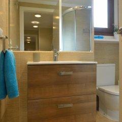 Отель Chalet en Isla de la Toja Испания, Эль-Грове - отзывы, цены и фото номеров - забронировать отель Chalet en Isla de la Toja онлайн ванная