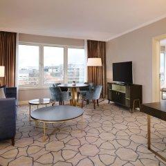 Отель Sheraton Warsaw Hotel Польша, Варшава - 7 отзывов об отеле, цены и фото номеров - забронировать отель Sheraton Warsaw Hotel онлайн комната для гостей фото 3