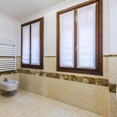Отель Carmini Palace Canal View Италия, Венеция - отзывы, цены и фото номеров - забронировать отель Carmini Palace Canal View онлайн ванная фото 2