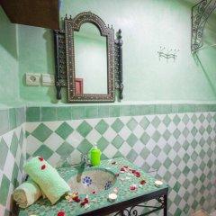 Отель Riad Dar Guennoun Марокко, Фес - отзывы, цены и фото номеров - забронировать отель Riad Dar Guennoun онлайн ванная