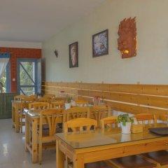 Отель OYO 256 Mount Princess Hotel Непал, Катманду - отзывы, цены и фото номеров - забронировать отель OYO 256 Mount Princess Hotel онлайн питание