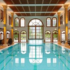 Отель A-ROSA Kitzbühel бассейн