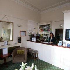 Отель Number 63 Ltd Лондон гостиничный бар