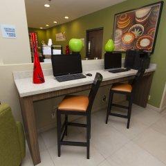 Отель Holiday Inn Express Guadalajara Aeropuerto интерьер отеля