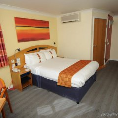 Отель Holiday Inn Express Glasgow Airport Пейсли комната для гостей