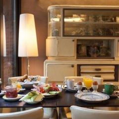 Отель Diamonds and Pearls Бельгия, Антверпен - отзывы, цены и фото номеров - забронировать отель Diamonds and Pearls онлайн питание фото 2