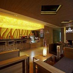 Centara Pattaya Hotel гостиничный бар