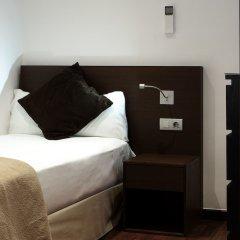 Отель Apartamentos Turisticos Madanis Испания, Оспиталет-де-Льобрегат - 2 отзыва об отеле, цены и фото номеров - забронировать отель Apartamentos Turisticos Madanis онлайн сейф в номере