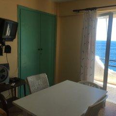 Отель Daskalio Resort Adamis комната для гостей