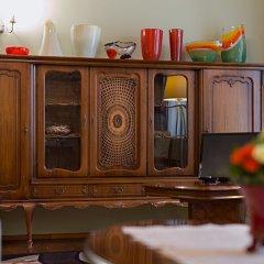 Отель Bernardinu B&B House Литва, Вильнюс - 5 отзывов об отеле, цены и фото номеров - забронировать отель Bernardinu B&B House онлайн гостиничный бар